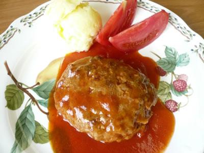 肉のいつきハンバーグトマトソース.jpg